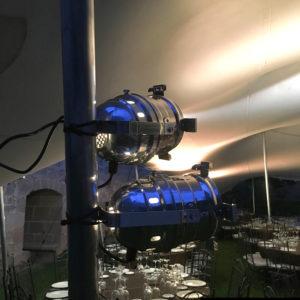 Iluminacion indirecta ambiental con focos halogenos PAR56