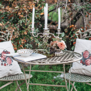 Alquiler cojin vintage flores boho boda evento deco  saloncito forja victoriano chill out coctail