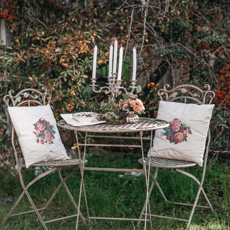 Alquiler cojin vintage flores boho boda evento deco  saloncito forja victoriano chill out coctail