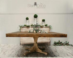 Alquiler de mesa de madera vista cuadrada para banquete