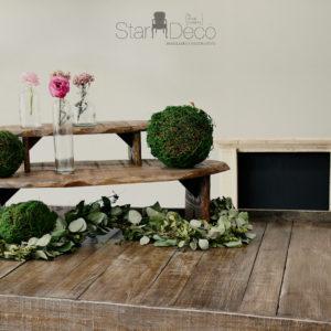 Mesa de madera maciza con tres alturas para exposicion de comidas, detalles, etc...