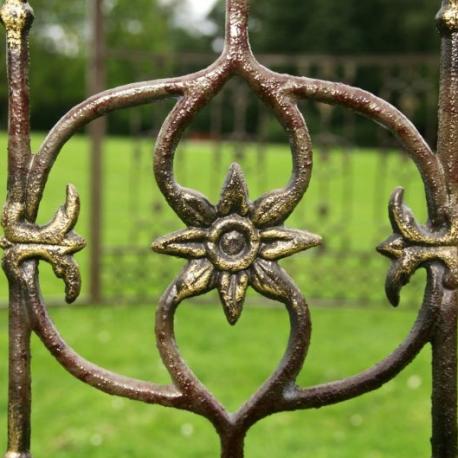 Alquiler de pergola de forja labrada para ceremonia civil, rincones con encanto, decoración de jardines, bodas y eventos