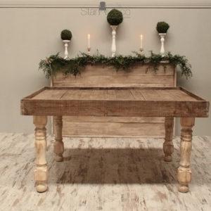 Mesa Altar Hemingway
